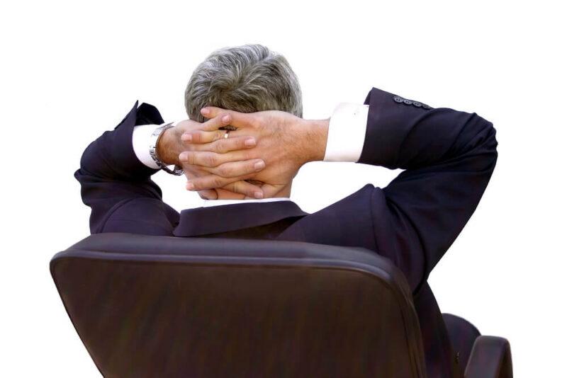 psychoterapeuta po spotkaniu z pacjentami leczenia uzależnień